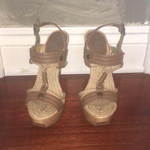 Funky taupe platform sandal size 8